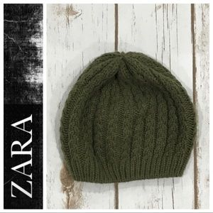 Cable Knit Beret Beanie by Zara